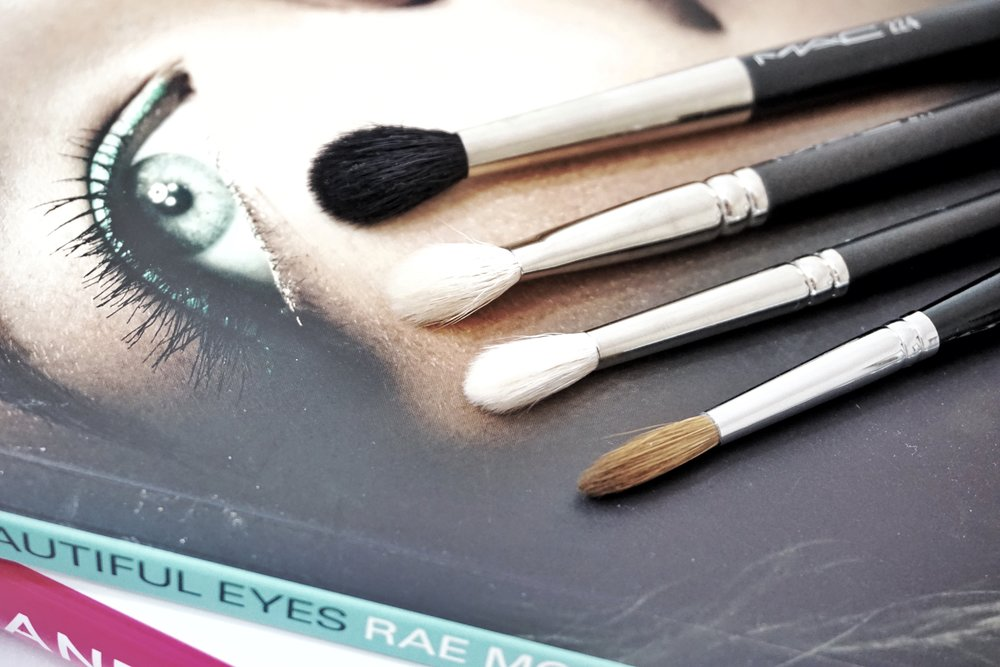 Makeup Brush Breakdown - Blending the Eyes — Blush + Soul