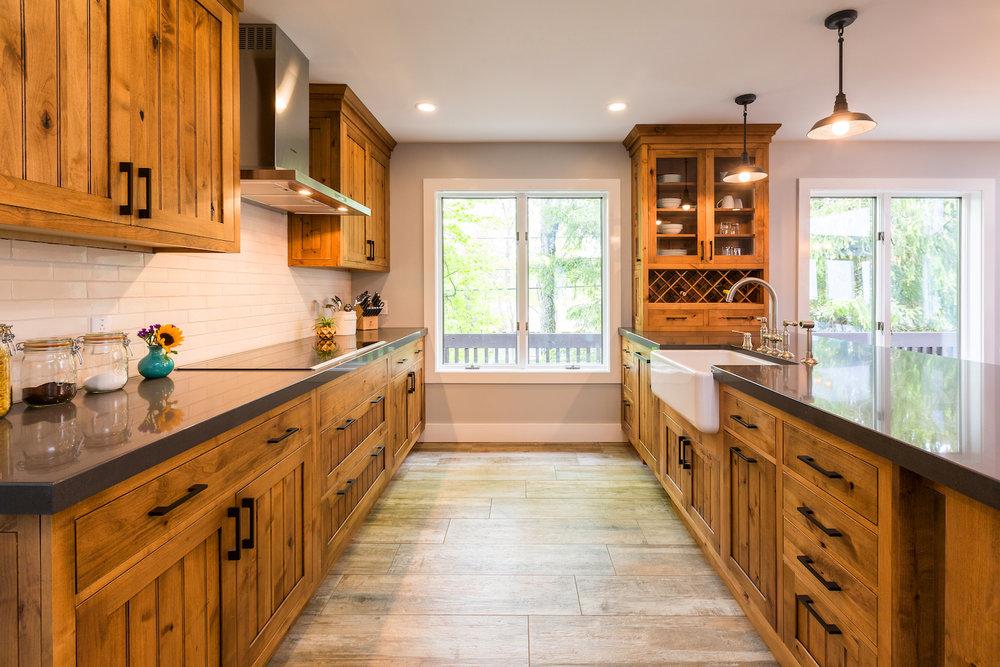 beautiful-vermont-farmhouse-kitchen.jpg