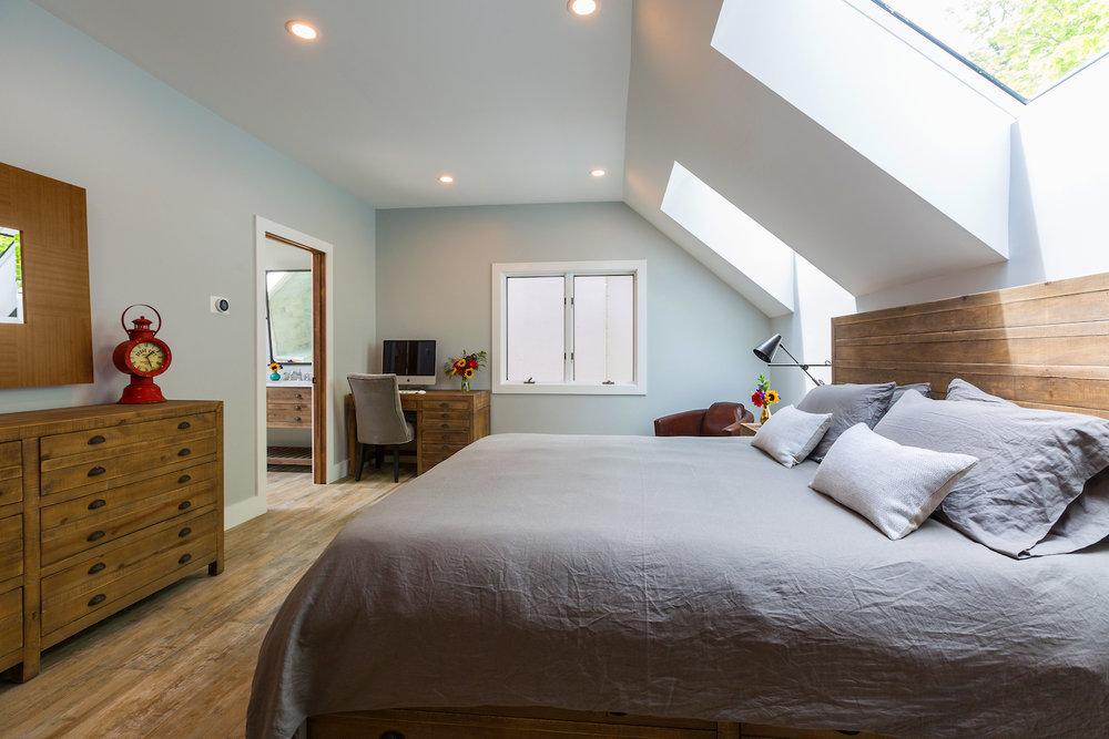 cozy-vermont-bedroom-rennovation.jpg