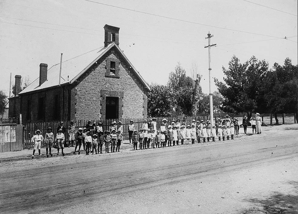 Students outside St Andrew's School, Walkerville in 1900.