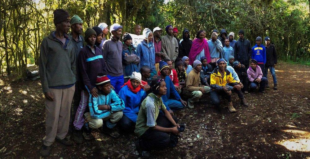 D2-03-meet-the-support-team-duma-explorer-kilimanajro.jpg