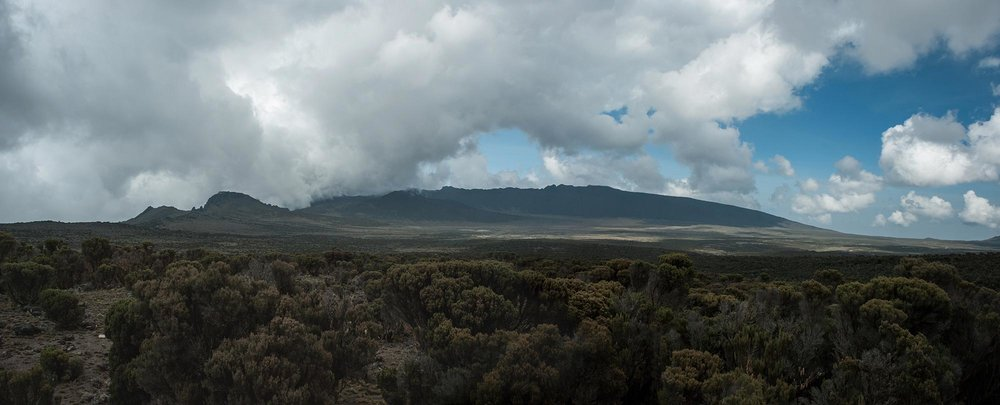 D3-20-Clouds-roll-in-over-Shira-Plateau-looking-backward-Panorama.jpg