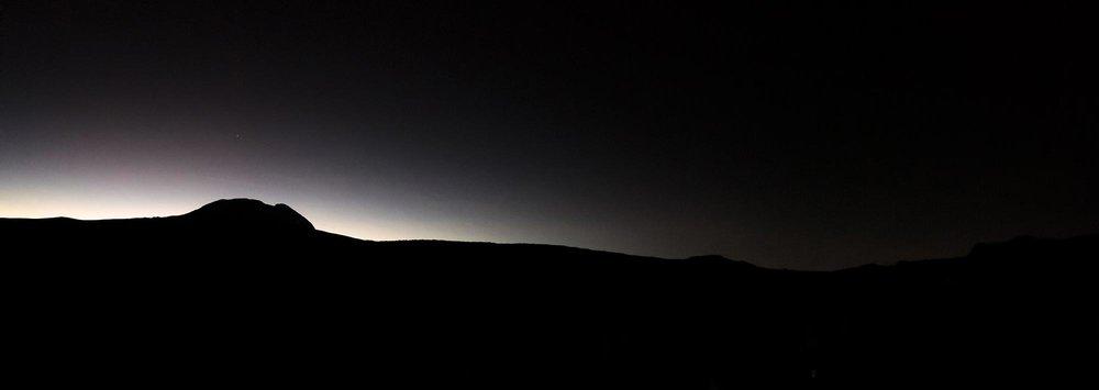 D3-01-Dawn-over-Kibo-kilimanjaro.jpg