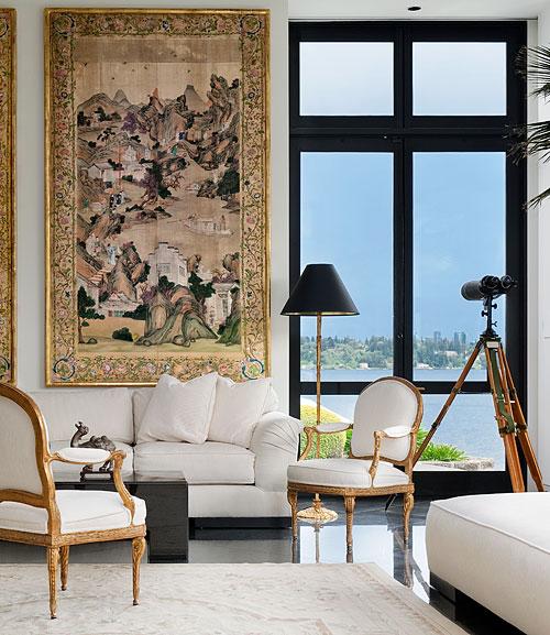 Kalef Alaton living room