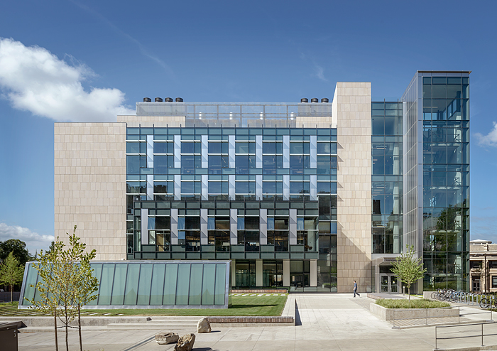 exterior of UW molecular engineering and sciences building by ZGF architects