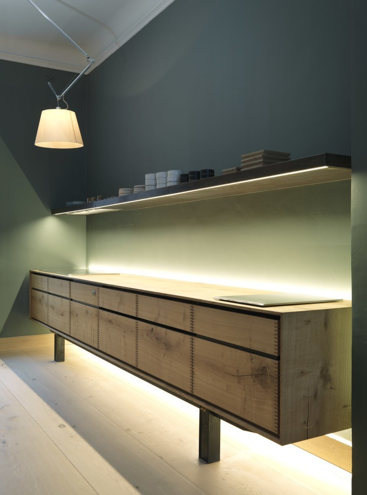 Dinesen-showroom-kitchen-by-Garde-Hvalsoe-via-Dinesen-Remodelista-3-720x972.jpg