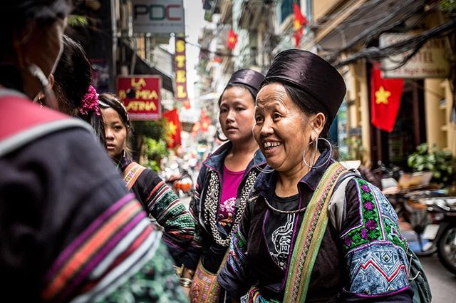 A snap from last year's trip to Hanoi with a group of Hmong homestay owners.  Photo by @k_sandilands  This was another great time filming these ladies visit the big city, many for their first time as they work to promote their amazing traditional homestays in the mountainous rural regions around Sapa.  They also had a chance to be tourists, themselves, for the first time staying at hotels ranging from the @metropolehanoi to @vietnambackpackerhostels giving them a chance to exploring this great city  The finished film, The Black Hmong and a Different Way of Life gets its premiere this week through the National Screen Institute's Online Film Competition.  #vietnam #hanoi #hmong #culture #tourism #travel #explore #hilltribe #village #sapa #hostel #hotel #city #smile #cbtvietnam #neverstopexploring #photo #canon #5dmkiii #street #photography