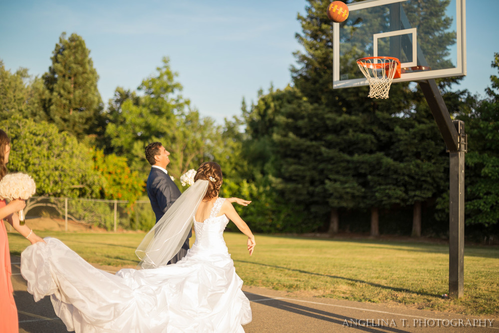sacramento-wedding-photographer-16-bride-shooting-basketball.jpg