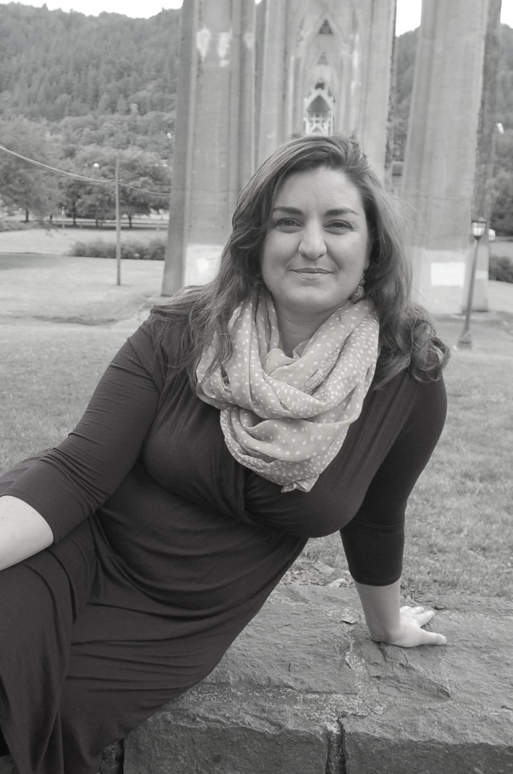 Gina Senarighi Headshot