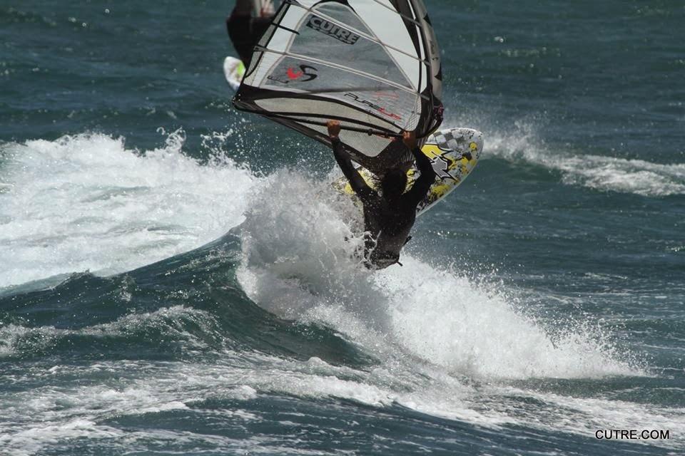Windsurf Rental (Pozo Izquierdo - Gran Canaria) - Waves