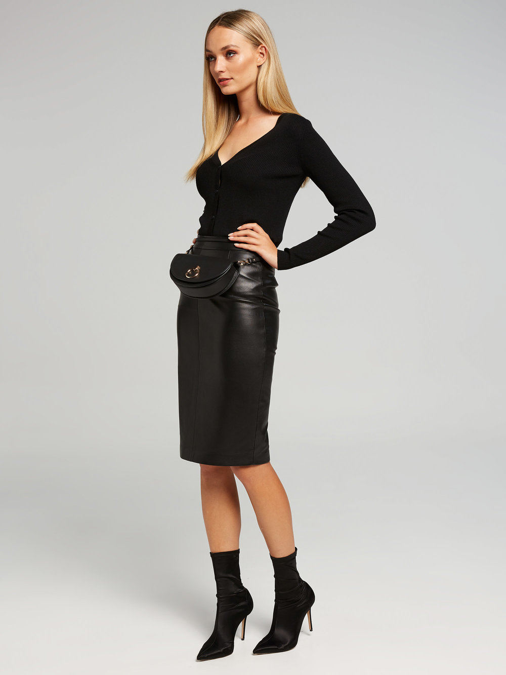 765380_black_outfit_full.jpg