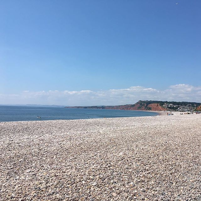 It's all about those beaches! 🏖 . . . . #allthebeaches #welivehere! #jurrasiccoast #newdevonlife #englishsummer #budleighsalterton