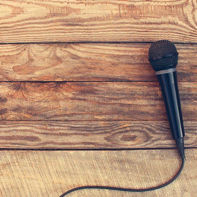 Har du en definert stemme som kjennetegner ditt brand? Hvis ikke kan du plukke opp et tips eller to i vår lille Tone-of-voice-guide: www.realkommunikasjon.no/skrivemaskinen-innholdstips/tone-of-voice-guide