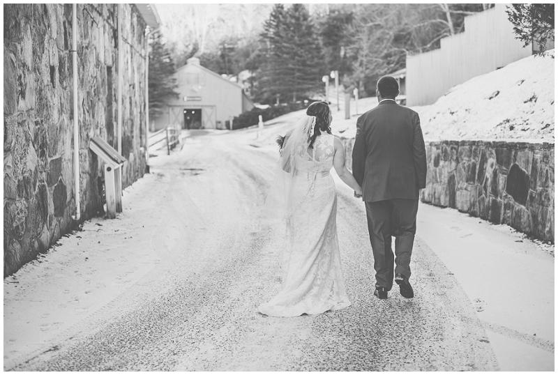 Snowy Christmas Winter Wedding Mountain Lake Lodge (42).jpg