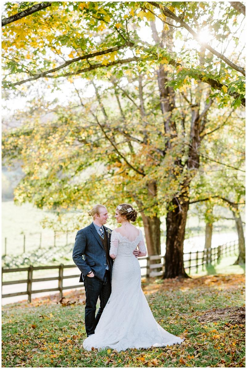 Fall Mountain Barn Wedding (27).jpg