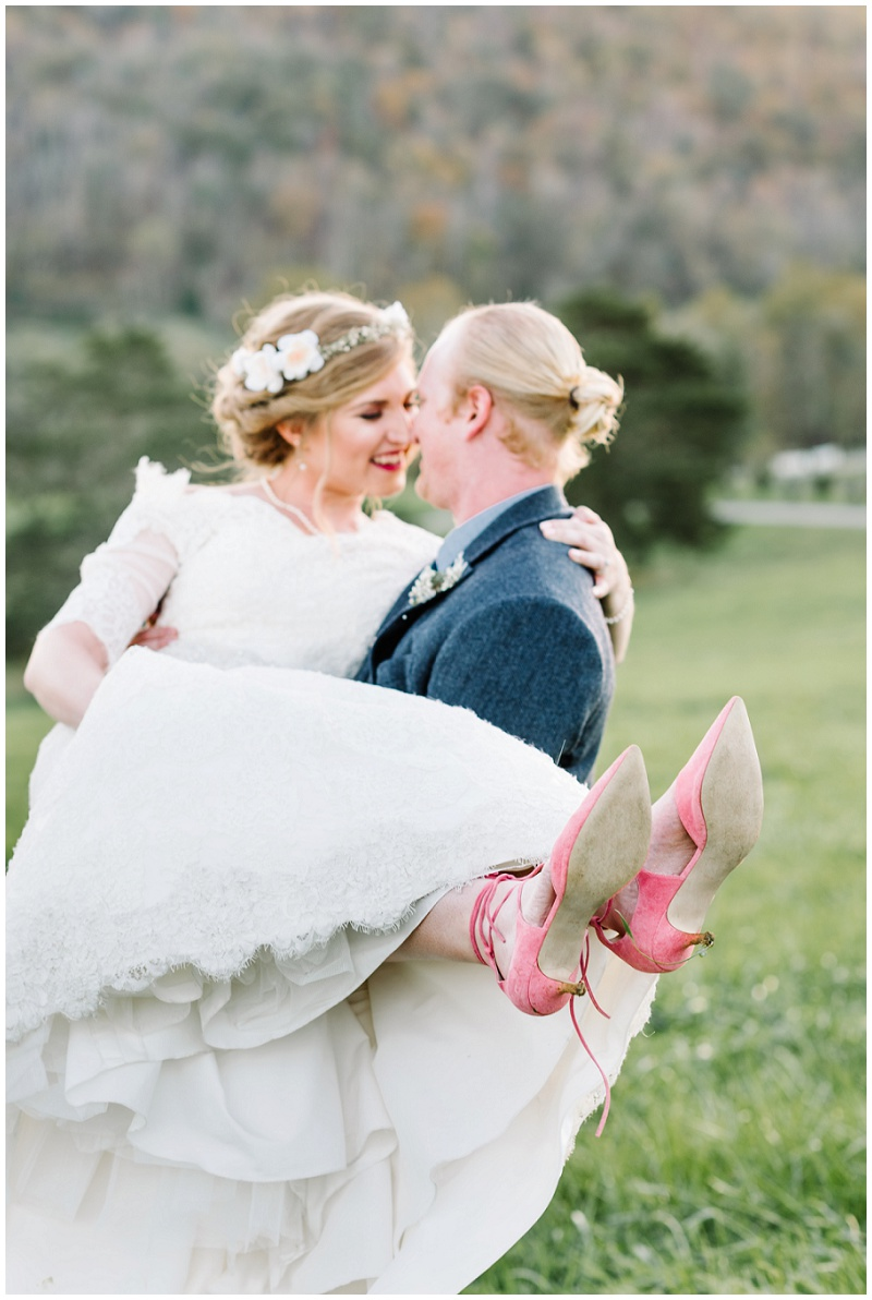 Fall Mountain Barn Wedding (29).jpg