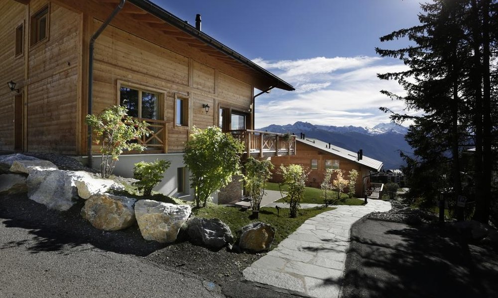 PROJECT :  Crans Luxury Lodge  (5* Serviced luxury Chalets), Crans Montana - Switzerland   SERVICES : Yield Management Consulting
