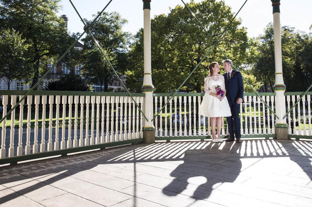 INFORMAL-WEDDING-COUPLE-SHOT-FORBURY-GARDENS-READING.jpg