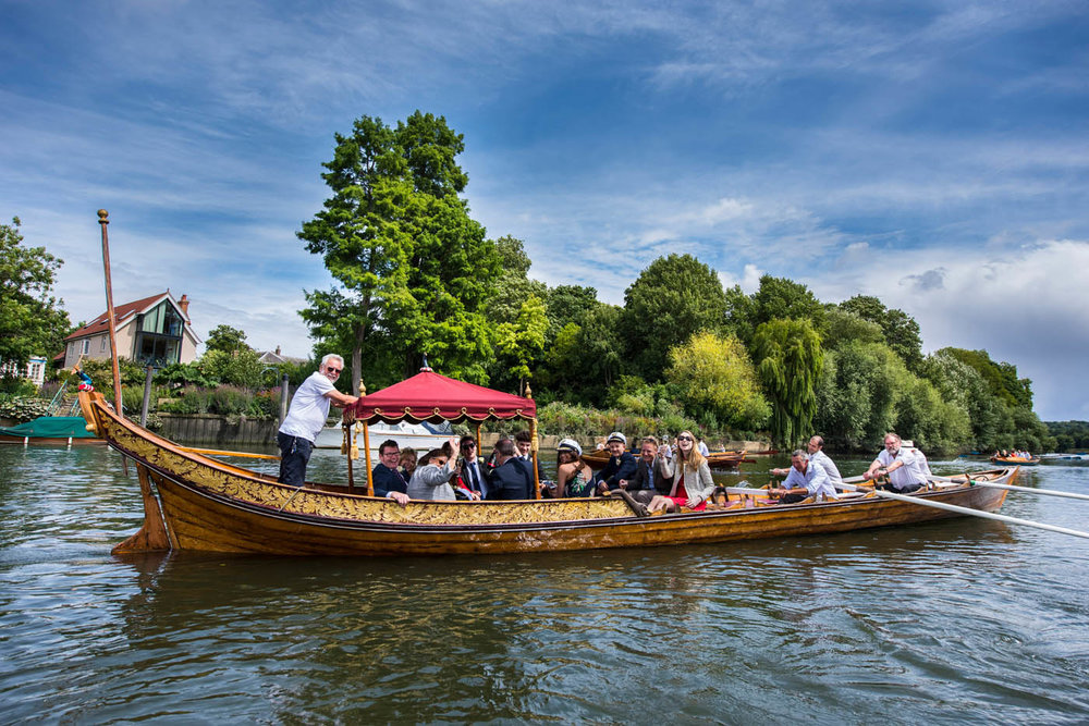 WEDDING-PARTY-BOAT-THAMES.jpg