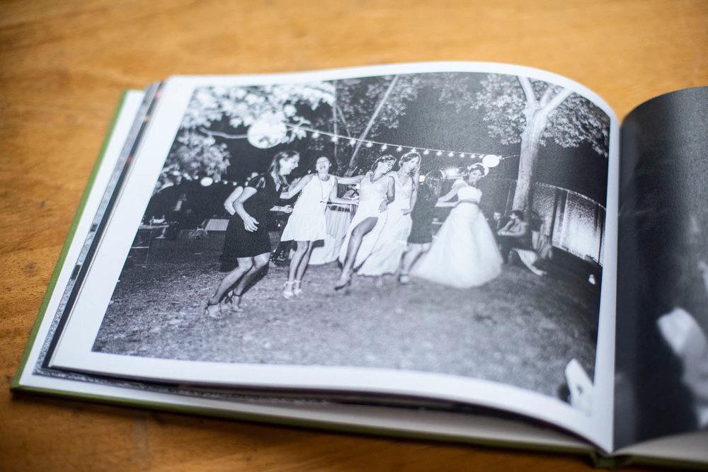 PAUL-TANNER-WEDDING-BOOKS_008.jpg