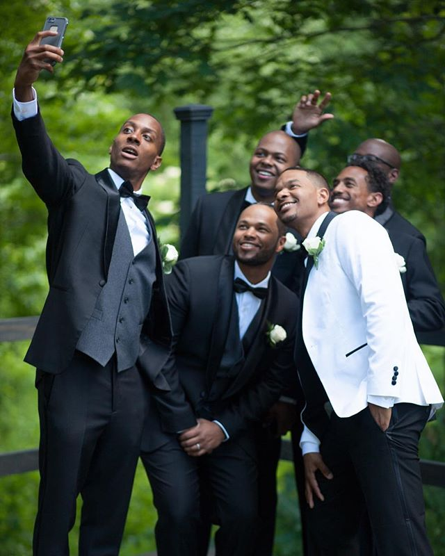Fun times with the guys!  #wedding #weddingtux #weddingday #weddingwire #groom#groomsmen #selfie #brothers #friends #family #weddingphotography #weddingphotographer #ashtoncreekvineyard #richmondwedding #richmond