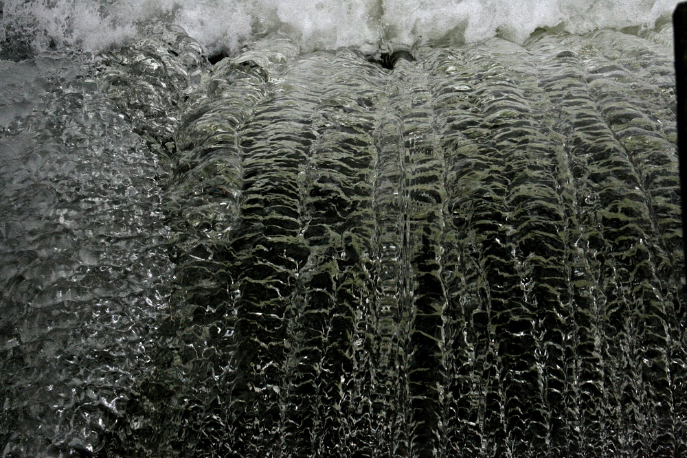 ice-and-water-on-maine-dam.jpg