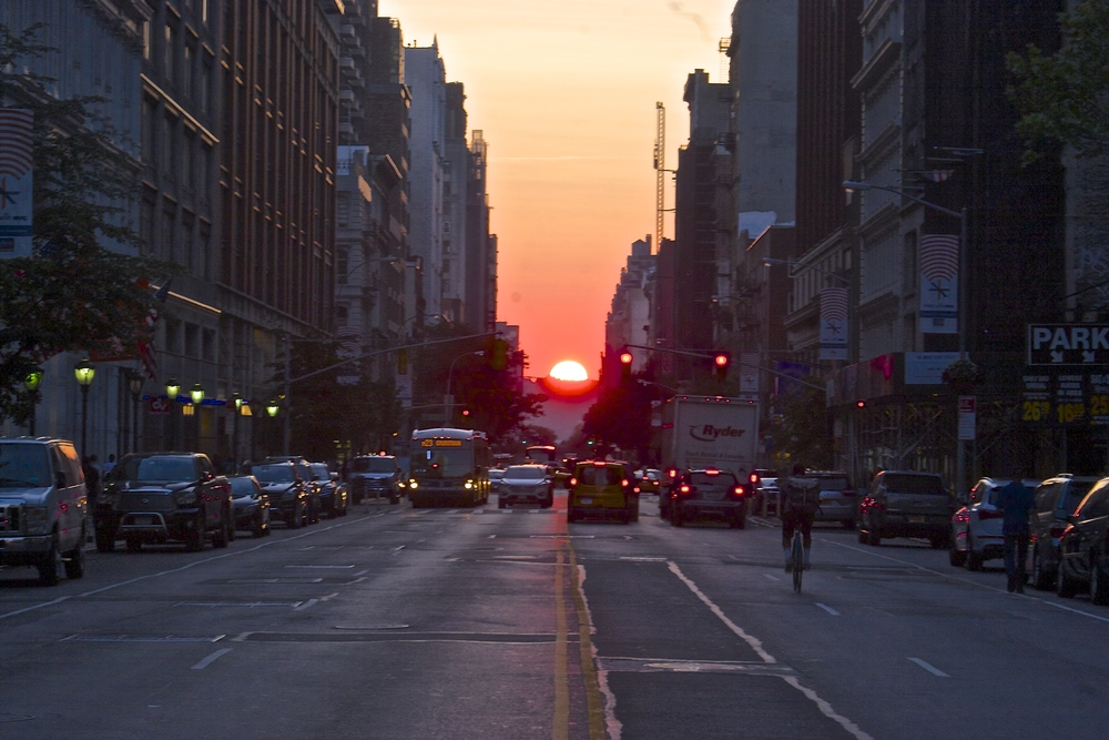 manhattanhenge-wbc.jpeg