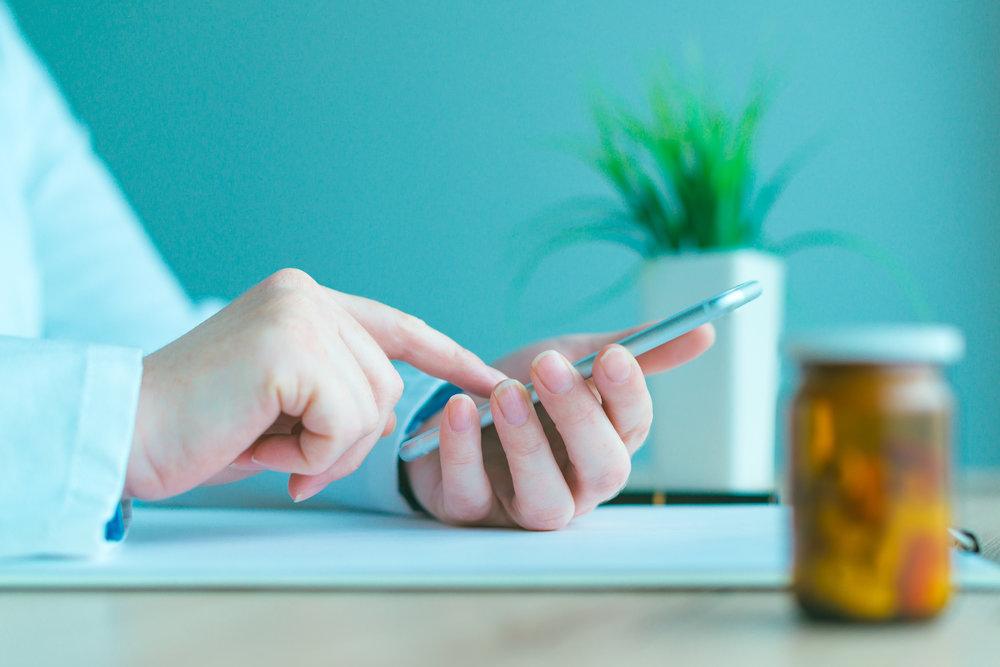 general-practitioner-smartphone