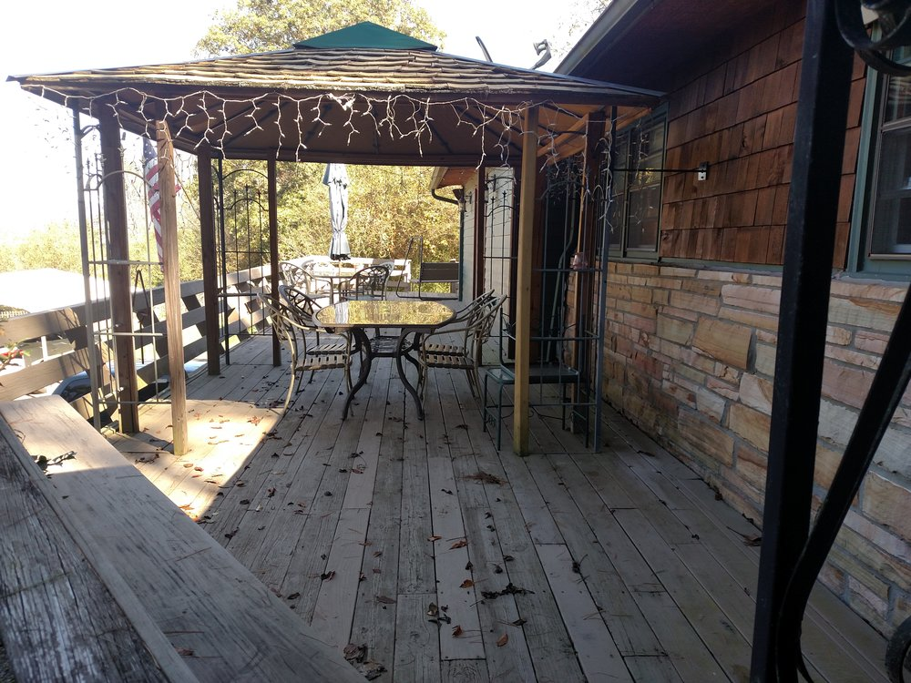 6 FRONT DECK ALSO ACCESSED BY MBR.jpg