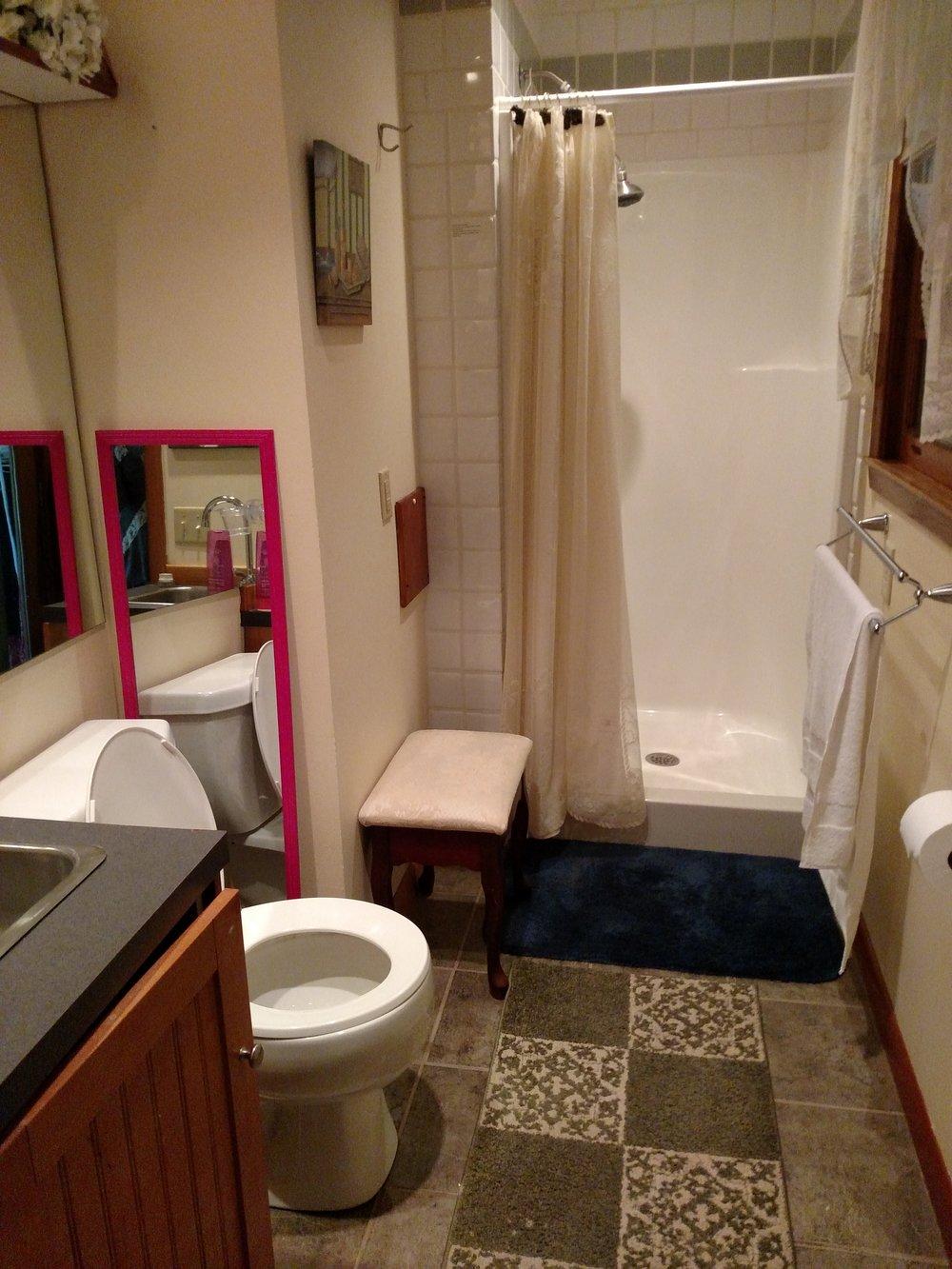 BEDROOM 4 BATH.jpg