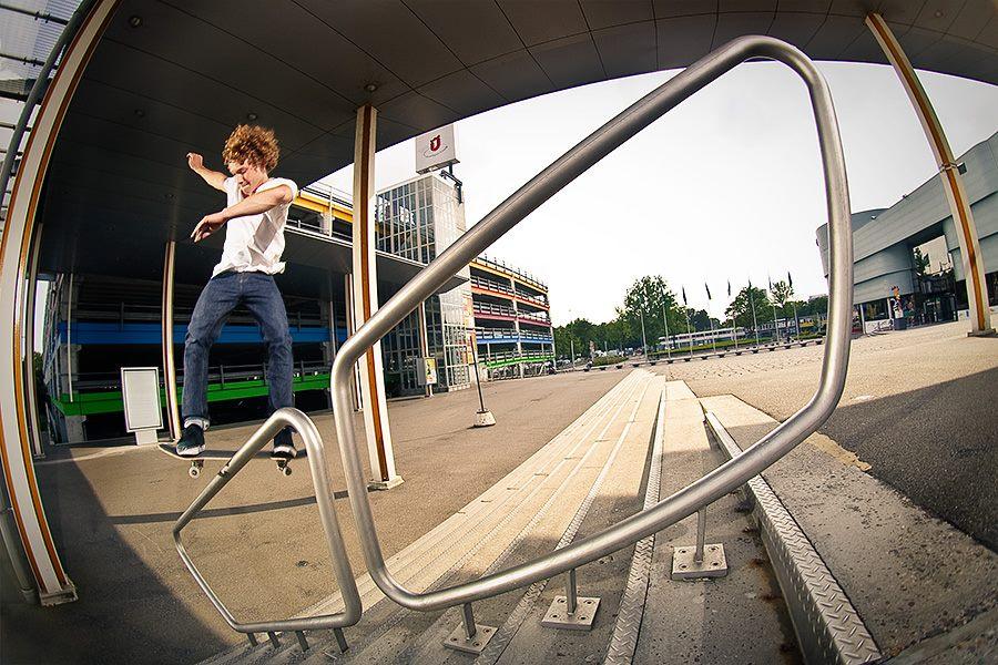 Olaf doet een fs boardslide.Foto door Kerwin Groot