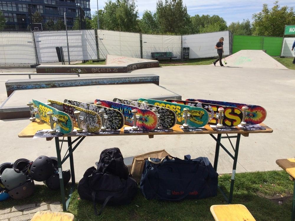 De skateboards liggen klaar in het Griftpark!