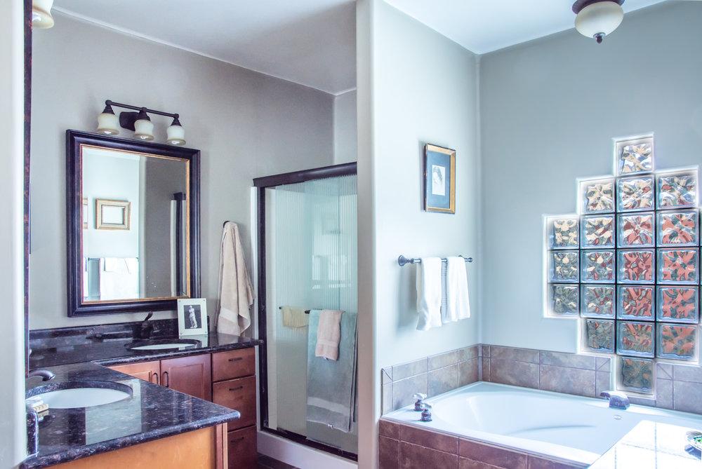 Master Bath   006.jpg