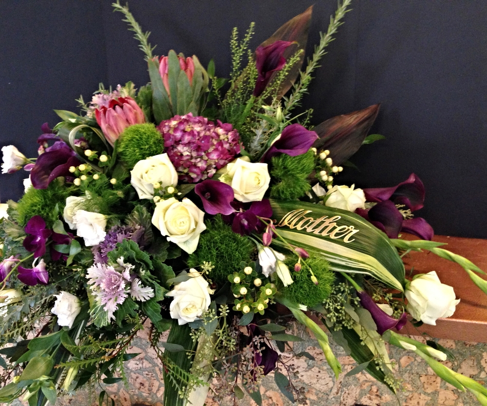 Funeral gallery flowers by the river flowers are a traditional way to express condolence and a beautiful way to honor a life well lived we try our best to make arrangements that express the izmirmasajfo