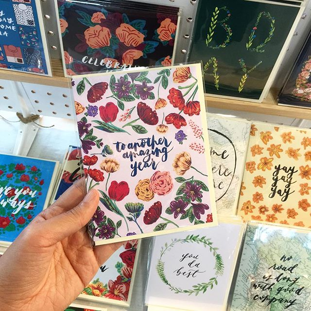 Hi from @refreshmarket !!! We're here with new stuff - including this birthday card for all you floral lovers 🌸🌺💐🌼