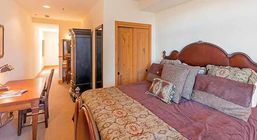 BCL405 guest room2 gllery size.jpg