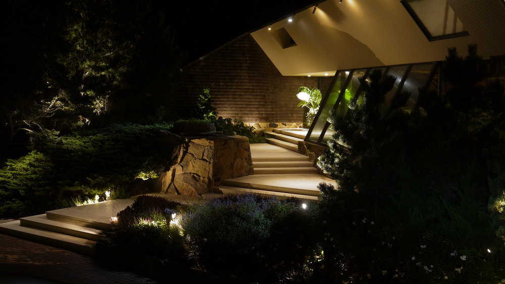 WHY LANDSCAPE LIGHTING