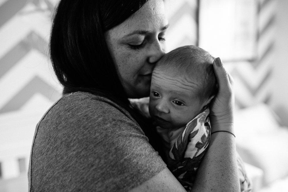 palo alto newborn lifestyle photographer (9 of 10).jpg