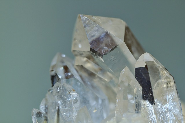 rock-crystal-397955_640
