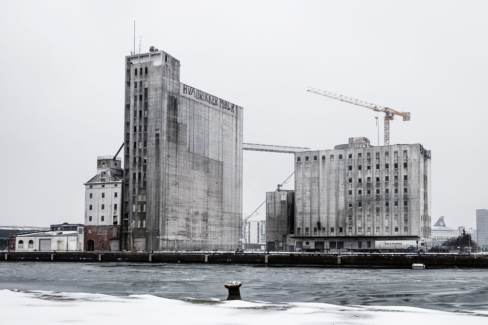 5408e8bcc07a80b666000008_cobe-s-adaptive-reuse-of-nordhavnen-silo-marks-beginning-of-redevelopment_the_silo_04_existing_situation_credit_rasmus_hjortsh.jpg