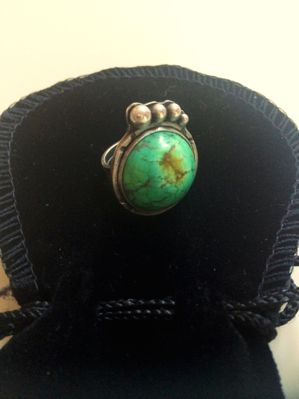 Where are my turquoise fans at?! 3 Moons Jewelry makes the most unique and beautiful pieces. If you are like me, you love and appreciate a turquoise accessory! All pieces are custom so you can request this piece by contacting them or choose something different from what they currently have in stock! *Check them out and get some stunners for yourself: www.3moonsjewelry.com  Stay Stylish Chicago, Katie