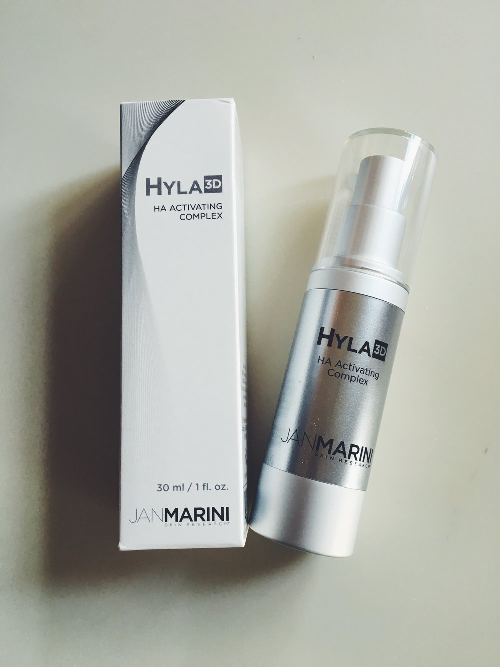 This product feels so amazing after I cleanse my face in the morning! The Hyaluronic Acid immediately plumps up and awakens my sleepy skin making it primed and ready for my daily make up routine to look perfect. So excited to have this as a part of my morning skincare ritual!