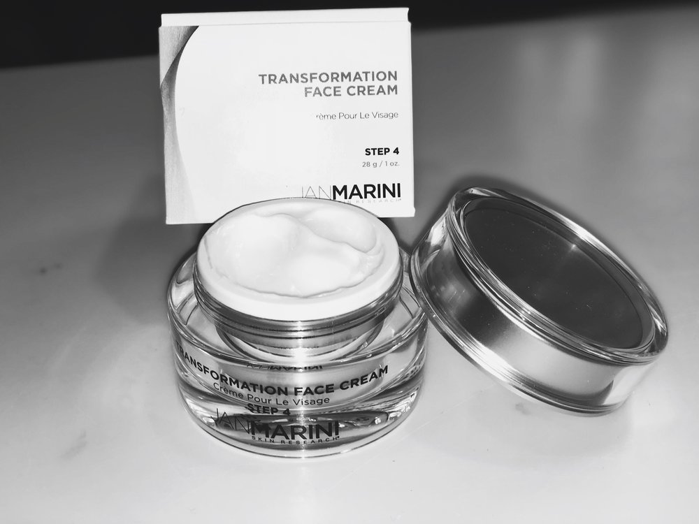 A good moisturizer in this still chilly and dry end of Winter season is so important! I am obsessing over this Transformation Face Cream for day and night as my go-to moisturizer. It's super creamy, hydrating, and doesn't flake when I apply my make-up which is key!