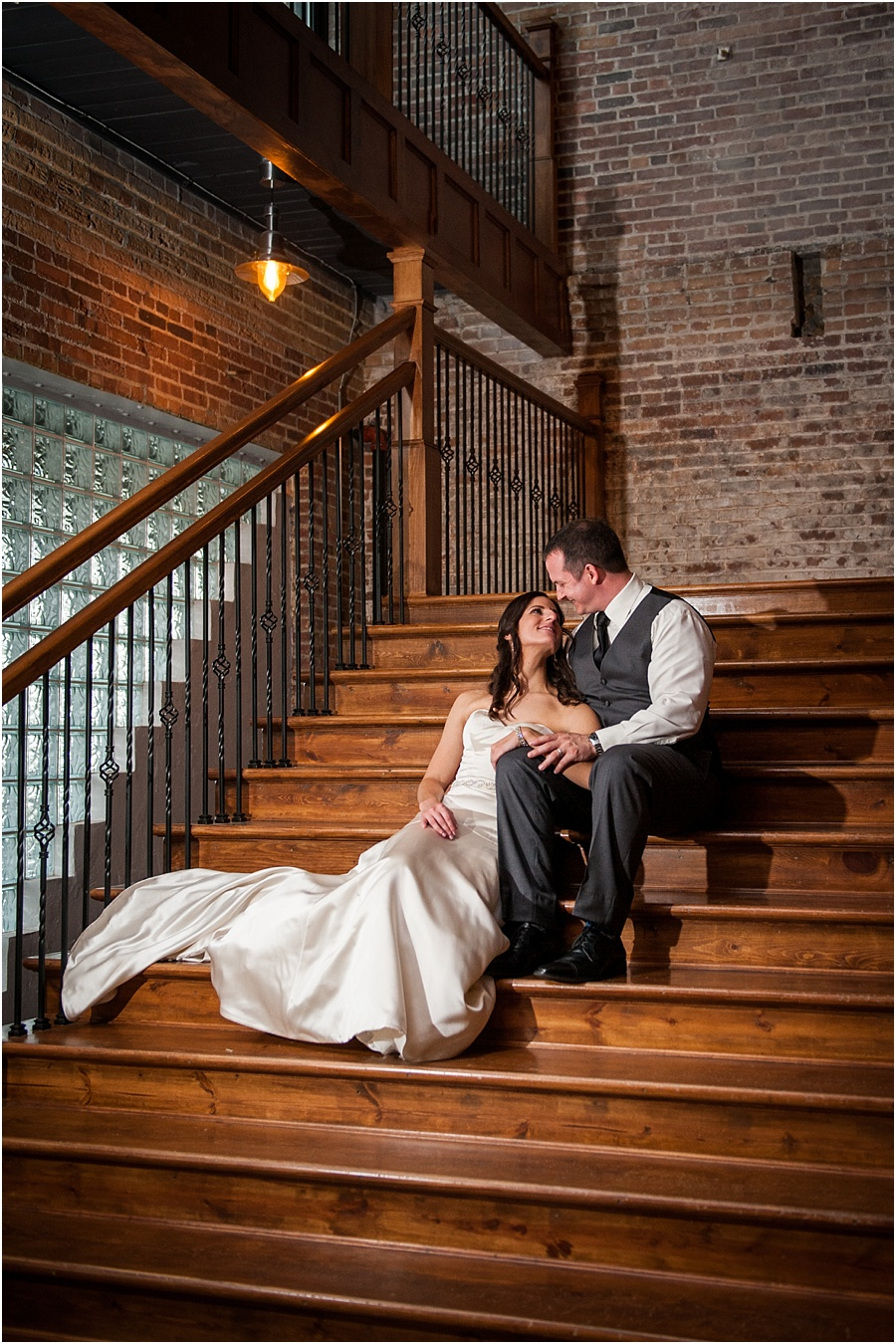 biltwell-event-center-indianapolis-photographers-weddings_0594.jpg