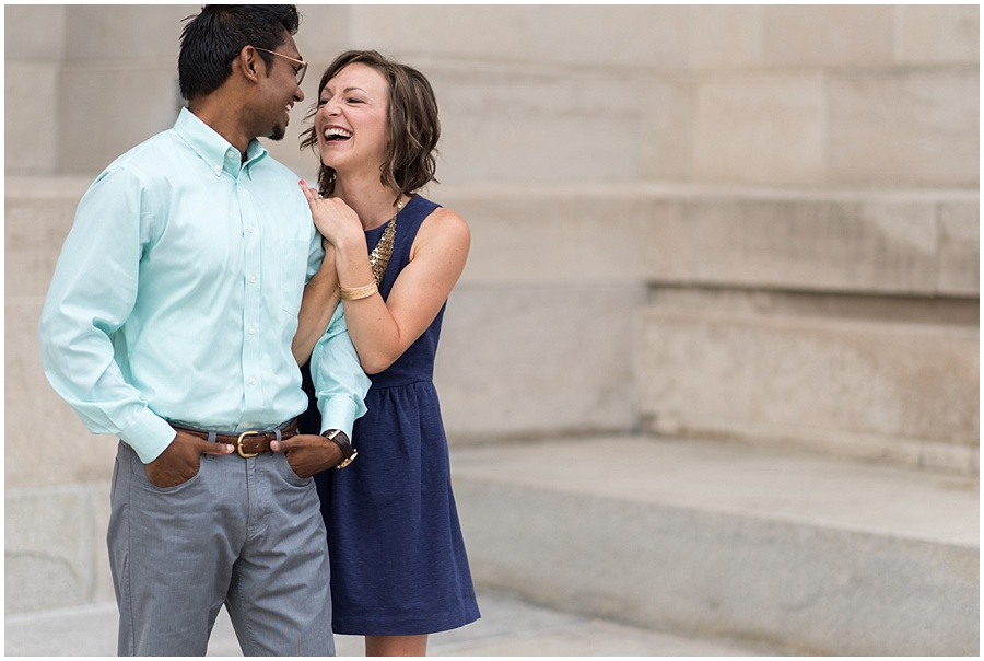 downtown-indianapolis-engagement-photographers_1152.jpg
