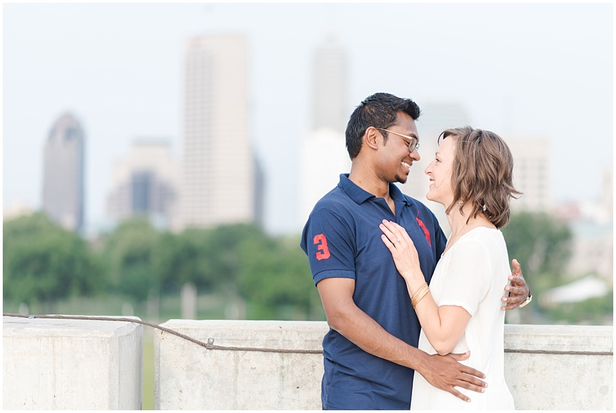 downtown-indianapolis-engagement-photographers_1184.jpg