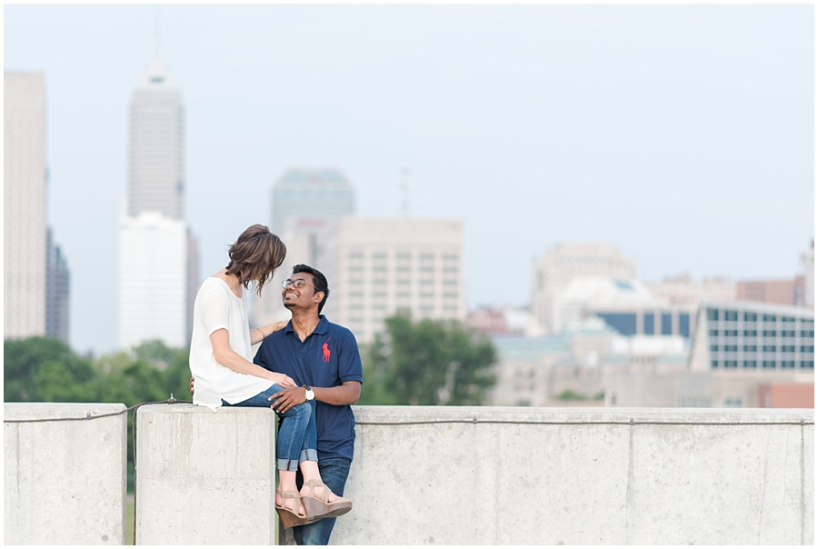 downtown-indianapolis-engagement-photographers_1185.jpg