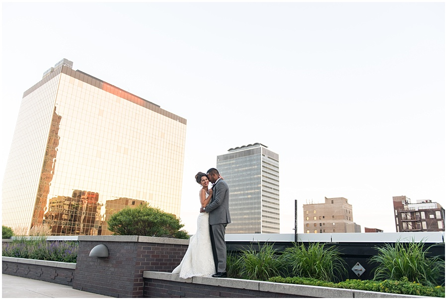 regions-tower-indianapolis-wedding-photographers_1461.jpg