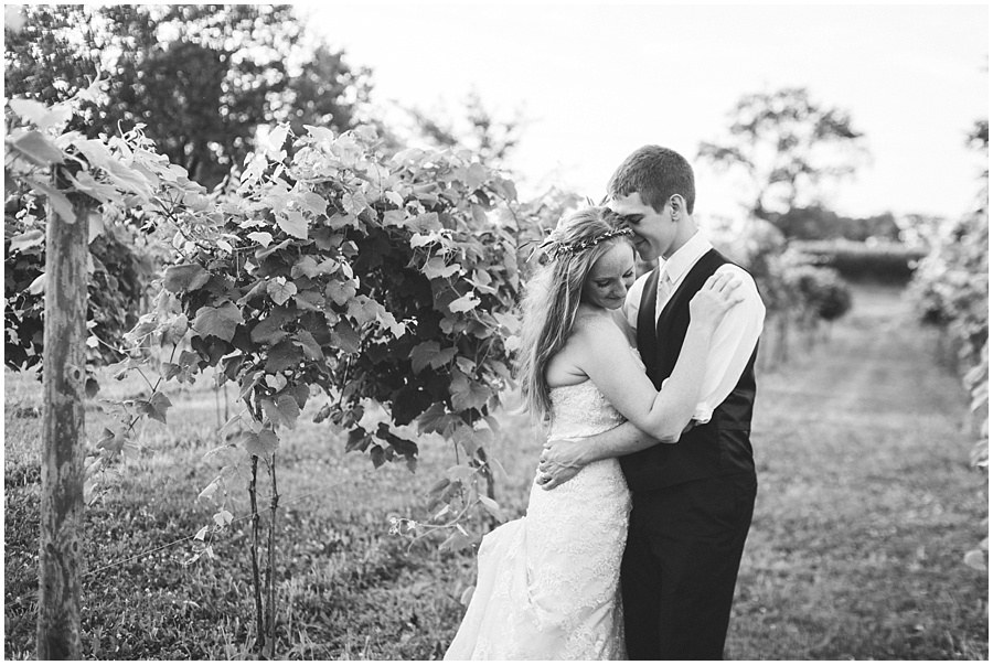 indiana-vineyard-wedding-photographers_1655.jpg