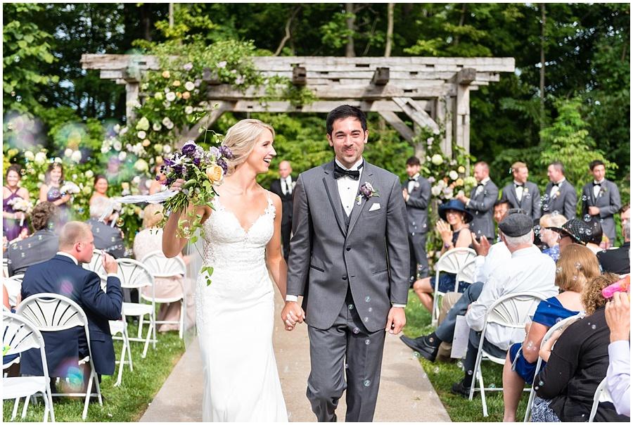 barn-at-bay-horse-wedding-indianapolis-photographers_3594.jpg